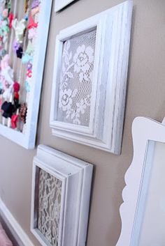 Framed lace for baby girl nursery: Top 22 Charming Home Decorating DIYs Can Make… Decoration St Valentin, Home Crafts, Diy Home Decor, Diy Bebe, Wall Decor, Room Decor, Diy Girl Nursery Decor, Vintage Nursery Girl, Little Girl Rooms