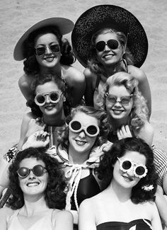 Ladies rockin' the round rim sunglasses: popular style during the 30's