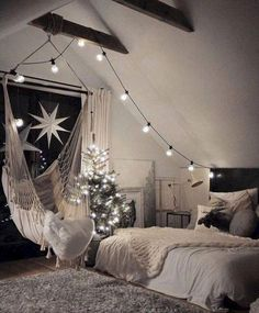 Charming Bedroom Ideas For Your Tiny Apartment That Looks Cool Cosy Bedroom, Room Ideas Bedroom, Bedroom Apartment, Home Decor Bedroom, Bedroom Bed, Bedroom Brown, Bedroom Furniture, Lovely Apartments, Summer Bedroom