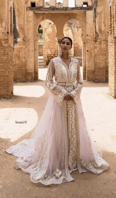 Known for her exclusive beaded Caftans, Meriem Belkhayat is considered to be one of the most celebrated Caftan designers in Morocco and the Arab World. Morrocan Wedding Dress, Morrocan Dress, Moroccan Bride, Abaya Fashion, Muslim Fashion, Fashion Dresses, Caftan Dress, Hijab Dress, Kaftan Moroccan