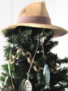 Perfect topper for Logan's fishing ornaments! I love the garland!