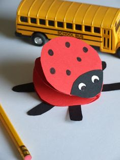 katie-claire: easy crafts for kids: paper ladybug