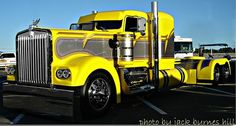 Kenworth Custom Rig Yellow  www.Smart-Trucking.com
