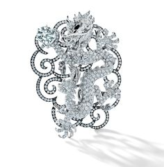 The Forevermark Promise Exhibition: A Collection of Pledges and Exceptional Diamond Pieces Unusual Engagement Rings, Silver Engagement Rings, Ring Engagement, Mirror Jewelry Armoire, Girls Jewelry Box, Dragon Jewelry, Silver Ring Designs, Best Friend Jewelry, Stephen Webster
