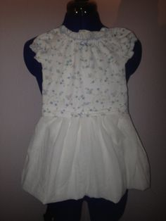 Refashion, Repurpose, Redo...  A lot of cute ideas for reusing old clothing that has gotten too short or is too big. Many of them (like the one if the picture) are for toddlers, but could easily be remade for adults with a few small alterations. Reuse Old Clothes, Animal Crossing Qr Codes Clothes, Refashion, Dress Outfits, Summer Dresses, Clothes For Women, Pretty, Big, Sewing Ideas