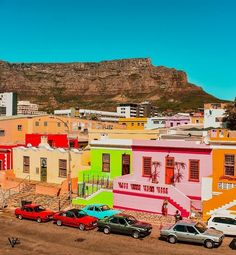 This shot of Bo-kaap by has us dreaming of sunnier days🌞. Stuff To Do, Things To Do, Farming S, Cape Town, Bed And Breakfast, Sunny Days, Vineyard, Explore, Photo And Video