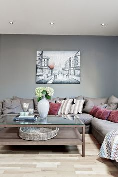 Living Room Decor Colors, Living Room Trends, Rooms Home Decor, Living Room Grey, Rugs In Living Room, Cheap Home Decor, Taupe Walls, Bed Furniture, Couch