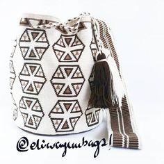 #Eliwayuubags #Arte #tradición & #color ##mochila #wayuu  #beige #wayuubags #wayúu #gift #trends #ethnic  #craft  #etsy  #perfect #handmade #wayúu #crochet #telar  #beautiful #fashion #art #love #adiction #design  #entrepreneur  #photooftheday #Colombia  #internationalshipping  Whatsapp: +573006388348