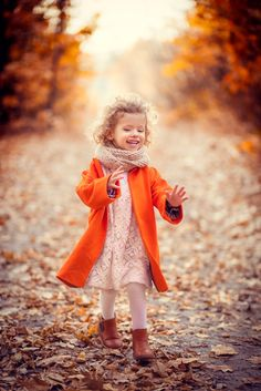 Марта в оранжевом пальто - Осенняя прогулка по гидропарку