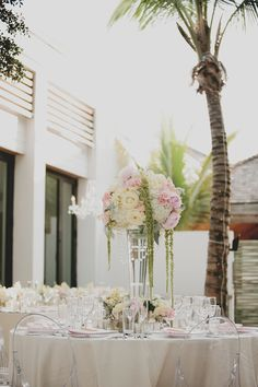 Photography: Kellie Kano - kelliekano.com   Read More on SMP: http://www.stylemepretty.com/2015/11/14/pops-of-pretty-13/