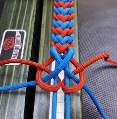 Big Skull - Paracord bracelet with Exclusive bronze buckle - Her Crochet Paracord Bracelet Instructions, Paracord Tutorial, Bracelet Tutorial, Paracord Braids, Paracord Knots, Paracord Bracelets, Knot Bracelets, Survival Bracelets, Gemstone Bracelets
