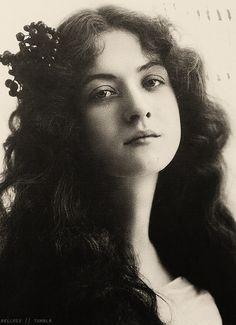 Maude Fealy, 1902