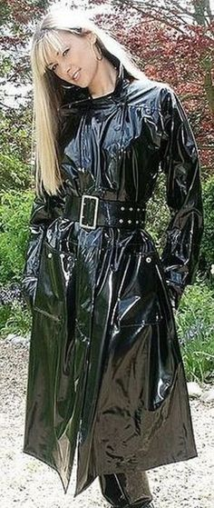 Shiny Black PVC Raincoat, so beautiful Black Rain Jacket, Rain Jacket Women, Vinyl Raincoat, Plastic Raincoat, Black Raincoat, Langer Mantel, Pvc Coat, Sexy Latex, Latex Suit