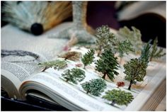 I love pop-up books. I wish there were more adult pop-up books. Altered Books, Altered Art, Libros Pop-up, Tunnel Book, Papier Diy, Alice In Wonderland Theme, Pop Up Cards, Bergdorf Goodman, Bookbinding