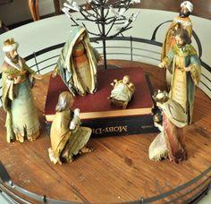 Nativity on books..unexpected !! 2014 Holiday house walk day 1 - Jennifer Rizzo