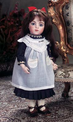 View Catalog Item - Theriault's Antique Doll Auctions