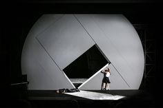Kabale und Liebe. Theater Bonn, 2015. Scenography by Sebastien Hannak