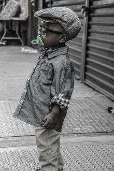 Just can't help pinning it, the kid is soooo dang adorable! love the glasses lol