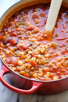 Olive Garden Pasta e Fagioli - A super easy, no-fuss copycat recipe that's wonderfully hearty and comforting, except it tastes 100x better!
