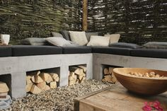 Concrete bench garden Source by superrianne Outdoor Fire, Outdoor Lounge, Outdoor Living, Outdoor Decor, Concrete Bench, Concrete Garden, Fire Pit Materials, Lounge Areas, Outdoor Projects