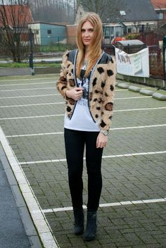 Polished Cats: Outfit: Fluffy Leopard