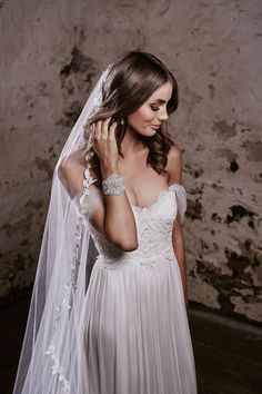 To mark the anniversary of her brand, Anna Campbell has launched Eternal Heart, a stunning vintage-inspired wedding dress collection. Vintage Inspired Wedding Dresses, Wedding Dresses 2018, Custom Wedding Dress, Lace Wedding, Wedding Veils, Trendy Wedding, Rustic Wedding, Peacock Wedding, Wedding White