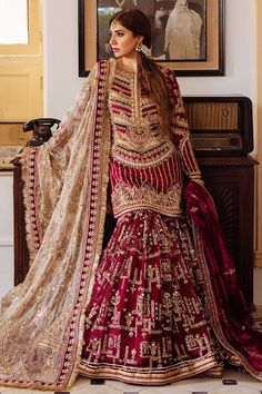 Desi Wedding Dresses, Pakistani Wedding Outfits, Indian Bridal Outfits, Pakistani Bridal Wear, Indian Gowns Dresses, Pakistani Dresses, Shadi Dresses, Pakistani Fashion Casual, Pakistani Dress Design