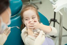 Dental Anxiety: Helping Your Kids Deal with Their Fear of the Dentist. Fear is a normal reaction, actually an instinct of survival. It is normal to have fear especially for children. Even though kids eventually grow out of their fears as they mature, tea Dentist Clinic, Kids Dentist, Dental Kids, Pediatric Dentist, Kids Health, Oral Health, Dental Phobia, What Causes Anxiety, Dental Images