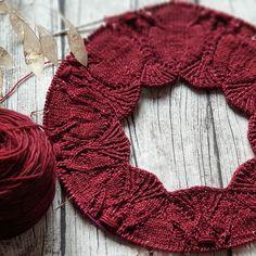 Ravelry: Flammentanz Sweater pattern by Valentina Bogdanova Sweater Knitting Patterns, Knitting Stitches, Knit Patterns, Hand Knitting, Beginner Knitting, Knitting Sweaters, Needlepoint Stitches, Knitting Wool, Canvas Patterns