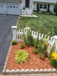 Small Front Yard Landscaping, Backyard Landscaping, Small Patio, Front Yard Patio, Patio Fence, Backyard Garden Landscape, Small Pergola, Large Backyard, Front Yards