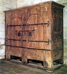 Schrank, 13. Jahrhundert, angeblich dentrochronologisch bestimmt Quelle: Kirche von Obazine, Frankreich