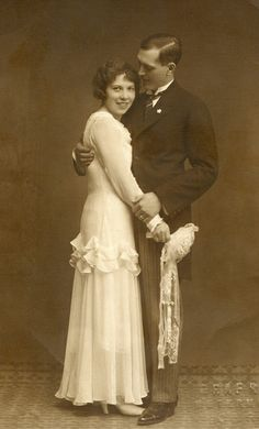 +~+~ Vintage Photograph ~+~+ Just Married!  Love this happy couple!  1931