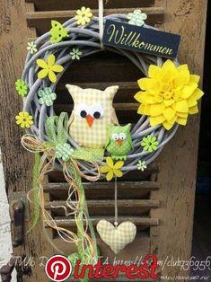 herbst in german Felt Crafts Diy, Wreath Crafts, Diy Wreath, Easter Crafts, Owl Wreaths, Easter Wreaths, Holiday Wreaths, Diy Y Manualidades, Fabric Wreath