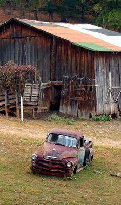 Barn & Old Chevy Farm Pick-up ~ Love the roof. places where has on the things people abandoned. Old Buildings, Abandoned Buildings, Abandoned Places, Abandoned Cars, Country Barns, Country Life, Country Living, Country Roads, Farm Barn