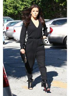 Eva Longoria    Look de star Glamour    Il suffit d'une combinaison noire pour habiller la star Eva Longoria.  Sublime !