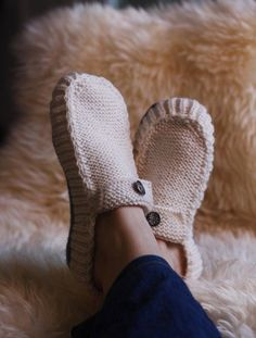 All Seasons Slippers Knitting Pattern. Clear silicone on the bottom makes them anti skid (etsy) #knitting #slippers