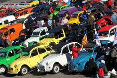 Impression des 24-Stunden-Rennen für Enten in Spa-Francorchamps © Jacques Letihon #24h2CV #24StundenRennen #Enten #deuxcheveux #Citroën2CV #2CV #CitroënDyane #Dyane #Citroën #zwischengas #classiccar #classiccars #oldtimer #auto #car #cars #vintage #retro