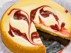Cheesecake marmorat cu gem de visine