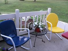 Applestone Cottage: Old Metal Lawn Chairs get a new look!