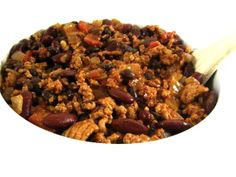 Make a pot of Skinny Turkey Chili this week! Such a versatile dish. You can set up a chili bar where everyone can top their own. Or, use it to make a taco salad or stuff a baked potato. Plus, it freezes great! One cup serving has 227 calories, only 2 grams of fat and 5 Weight Watchers POINTS PLUS. http://www.skinnykitchen.com/recipes/skinny-turkey-chili/
