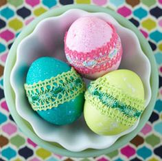 Lace dyed eggs