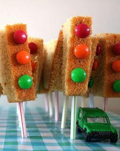 Sweet things made with cake for children's party - Mom's tips