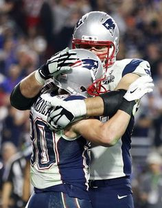 New England Patriots vs. Seattle Seahawks - Danny Amendola #80 is congratulated by Sebastian Vollmer #76 of the New England Patriots after scoring a touchdown against Seattle Seahawks in the fourth quarter during the during Super Bowl XLIX at University of Phoenix Stadium on February 1, 2015 in Glendale, Arizona. (Photo by Christian Petersen/Getty Images)