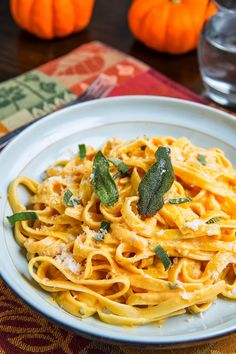 Pumpkin Goat Cheese Fettuccine Alfredo with Crispy Fried Sage - sub zoodles for pasta and looks like this might be a good option. Sage Recipes, Savory Pumpkin Recipes, Cooking Pumpkin, Fettuccine Alfredo, Alfredo Sauce, I Love Food, Good Food, Yummy Food, Vegetarian Recipes