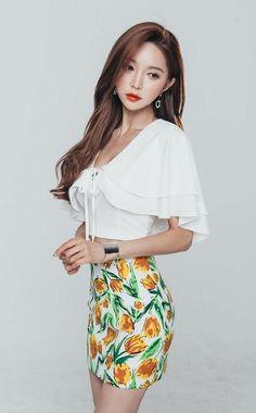 Colorful Fashion, Asian Fashion, Girl Fashion, Korean Beauty, Asian Beauty, Korean Fashionista, Asian Model Girl, Good Looking Women, Cute Asian Girls