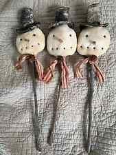 Primitive Christmas grungy 3 snowmen tuck folk art doll decor poke