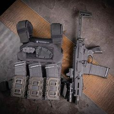 Airsoft hub is a social network that connects people with a passion for airsoft. Talk about the latest airsoft guns, tactical gear or simply share with others on this network Tactical Life, Tactical Gear, Battle Rifle, Kydex Holster, Military Weapons, Airsoft Guns, Guns And Ammo, Firearms, Shotguns