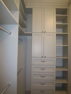 51 Super ideas small walk in closet layout ideas Organizing Walk In Closet, Closet Redo, Walk In Closet Design, Closet Remodel, Master Bedroom Closet, Bathroom Closet, Closet Designs, Closet Space, Closet Storage