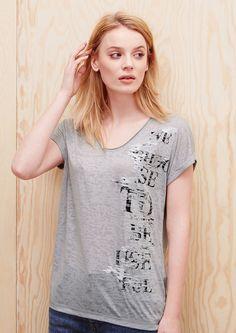 Ausbrenner-Shirt mit Print und Pailletten von s.Oliver. Entdecken Sie jetzt…