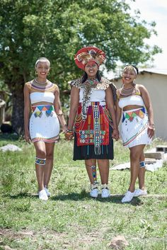 A Gorgeous Zulu And Swati Wedding African Wedding Theme, African Wedding Attire, African Attire, Zulu Wedding, Wedding Blog, Wedding Gowns, Wedding Photos, Zulu Traditional Wedding, Xhosa Attire